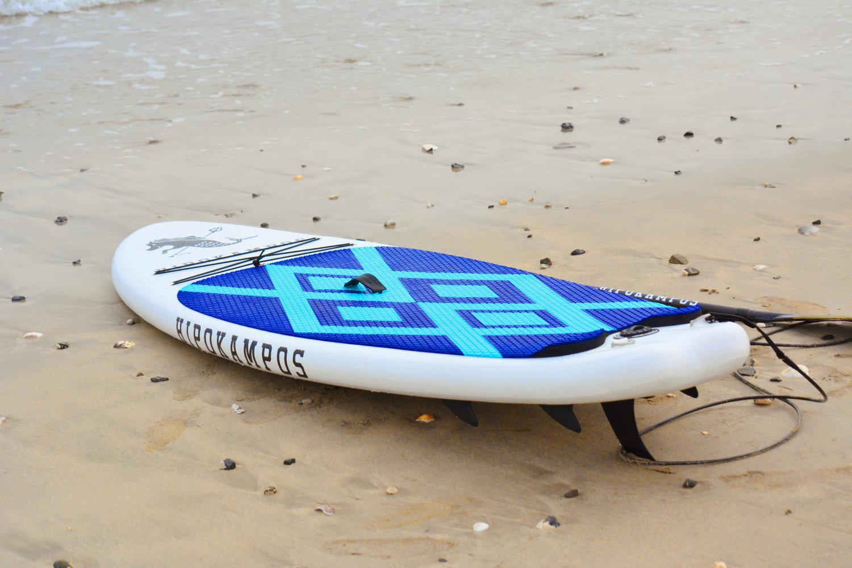 センターフィンの付け外しで直進性と回転性をコントロール可能!
